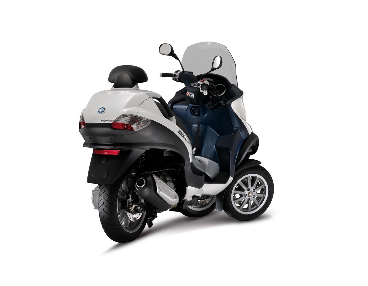 piaggio mp3 roller mit hybrid hytech technologie motorrad news blog. Black Bedroom Furniture Sets. Home Design Ideas
