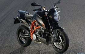 Neu 2012: KTM 690 Duke & 200 Duke