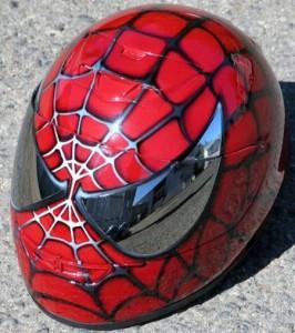 Spiderman trägt keine Maske, ein Helm ist das in Wahrheit!