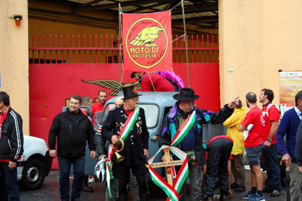 moto_guzzi_protest_mandello_del_lario