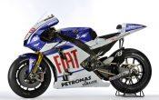 Fiat_Yamaha_motogp_2010-5