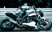 triumph-speed-triple-1050-2011_2