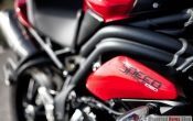 triumph-speed-triple-2011-19