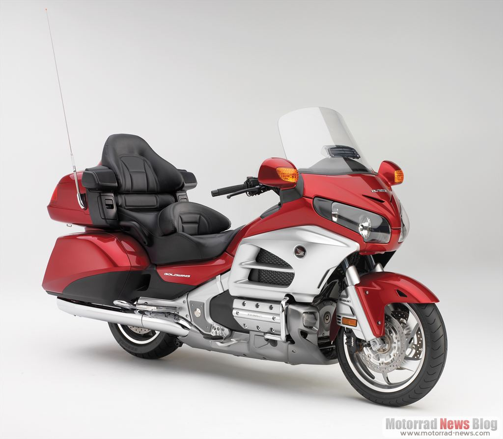 yamaha 1300 tourer with Honda Gl1800 Gold Wing 2012 on Default also Watch in addition Cruiser Touring Yamaha V Star 1300 Tourer 2016 E3e24e76 Ed05 4522 8578 A52b004a73d6G as well 2016 Yamaha Fjr1300 in addition Church Of Mo 2009 Honda Vtx1300t Review.