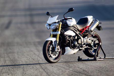 Triumph präsentiert 2012er Speed Triple R