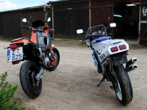 Fazit: Leistung ist nicht alles, zumindest nicht für mich. Den unverfälschten Motorradspass bieten auch die alten Gurken im gepflegten Zustand, abseits von ABS, ASR und anderen technischen Pflichtprogrammen.