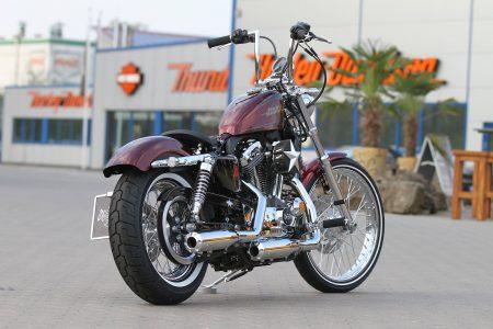 """Als Hauptpreis der """"Spendenaktion Motorrad"""" von der DRK Kinderklinik Siegen lockt eine umgebaute Harley-Davidson Seventy-Two."""
