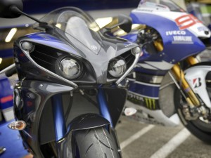 Yamaha YZF-R1 Race Blu 2014 Racing