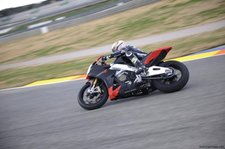 Aprilia RSV4 Factory 2009 (32)