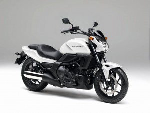 Honda CTX700N 2014 (2)