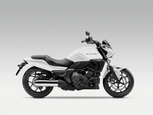 Honda CTX700N 2014 (4)