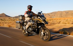 bmw-r-1200-gs-adventure-2014-outdoor-21