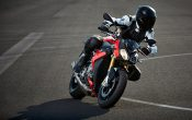 bmw-s-1000-r-action-1