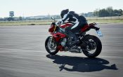 bmw-s-1000-r-action-14