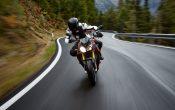 bmw-s-1000-r-action-16