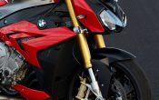 bmw-s-1000-r-action-21