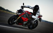 bmw-s-1000-r-action-3