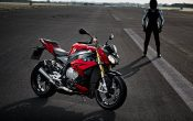 bmw-s-1000-r-action-37