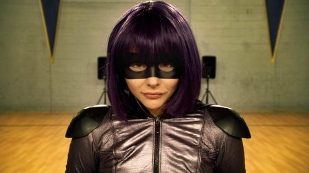 Chloë Grace Moretz als Hit Girl mit Unschuldsblick