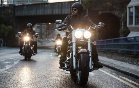 Triumph Thunderbird Commander 2014 Action (8)