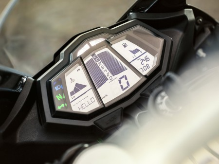 Yamaha YZF-R125 2014 (2)