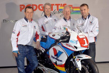 Von links nach rechts:  John McGuinness, Bruce Anstey, Simon Cupples, Clive Padgett