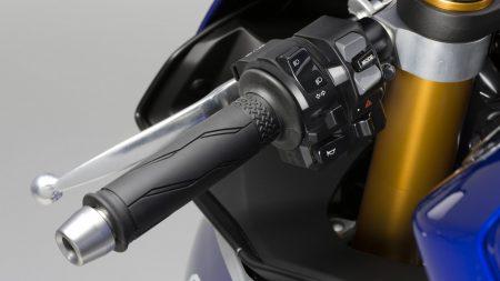 Yamaha YZF-R1 2015 (25)