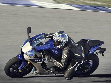 Yamaha YZF-R1 2015 (4)