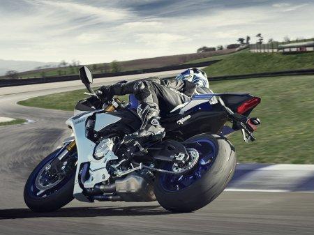 Yamaha YZF-R1 2015 (5)