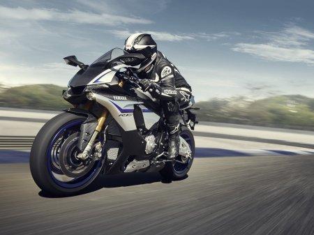 Yamaha YZF-R1M 2015 (2)