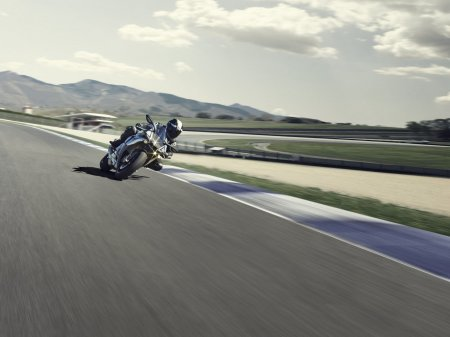 Yamaha YZF-R1M 2015 (5)