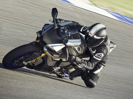 Yamaha YZF-R1M 2015 (6)