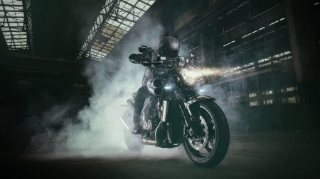 Yamaha VMAX Carbon 2015 (1)