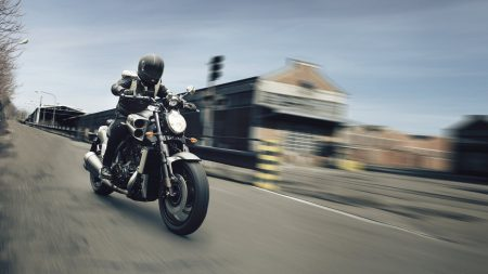 Yamaha VMAX Matt-Grey 2015 (1)