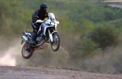 Honda-CRF1000L-Africa-Twin-Video-Leak-2015 (2)