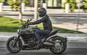 Ducati Diavel Carbon 2016 (13)