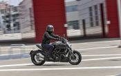 Ducati Diavel Carbon 2016 (17)