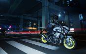 Yamaha MT-10 2016 Action (10)